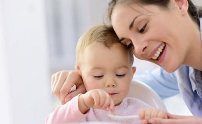 Conoce como alimentar a tu bebé a partir de los 6 meses de edad