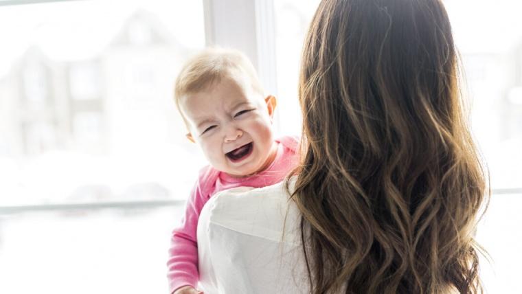 Cómo ayudar al niño que tiene ansiedad cuando sus padres se van